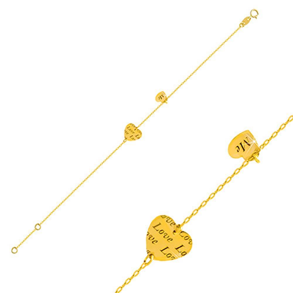 "Šperky eshop Zlatý náramok 585 - dve lesklé srdiečka s nápismi ""Love"" a ""Me"""