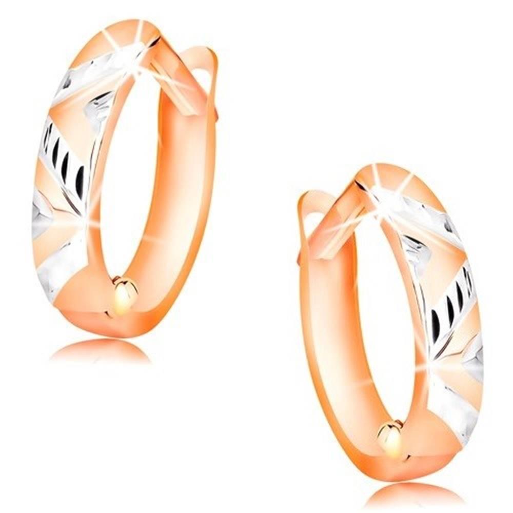 Šperky eshop Náušnice z ružového zlata 585 - krúžky zdobené zárezmi a bielym zlatom