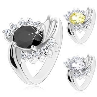 Prsteň v striebornom odtieni, zvlnené ramená so zárezom, zirkónový ovál - Veľkosť: 49 mm, Farba: Číra