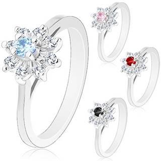 Trblietavý prsteň so strieborným odtieňom, zúžené ramená, zirkónový kvietok - Veľkosť: 49 mm, Farba: Svetlomodrá