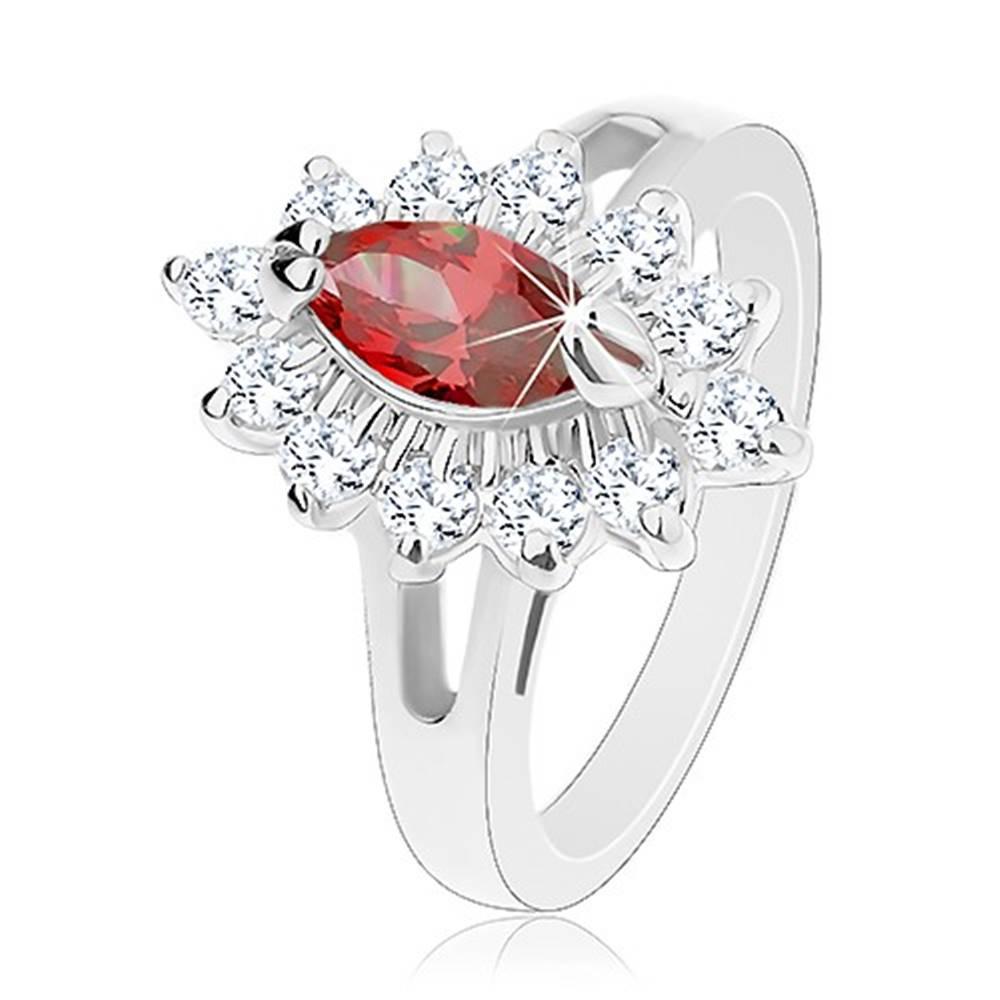 Šperky eshop Prsteň v striebornej farbe, lesklé rozdelené ramená, trblietavý kvet - Veľkosť: 49 mm, Farba: Svetlooranžová