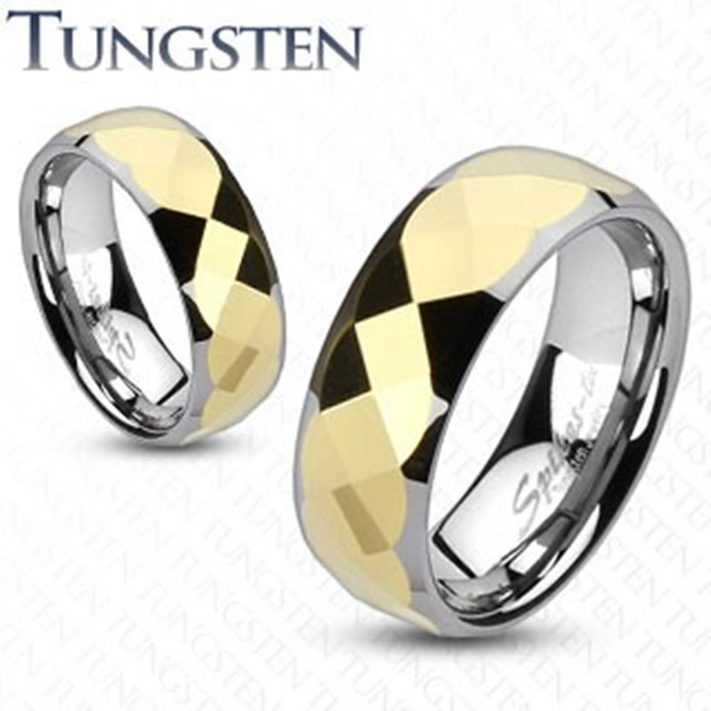 Šperky eshop Volfrámový prsteň - dvojfarebný, geometricky brúsený stred zlatej farby - Veľkosť: 49 mm, Šírka: 8 mm